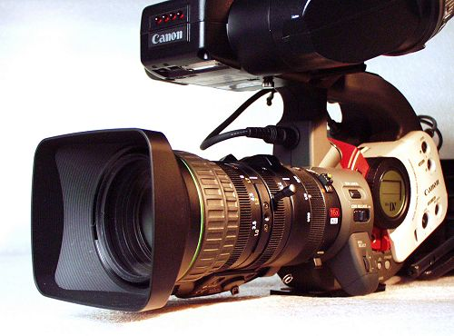 The ideal XL1S, with 16x manual zoom lens and B&W viewfinder