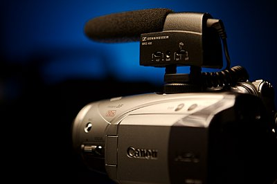 Worthwhile To Attach External Mic to Canon HG20?-mke400hv20.jpg