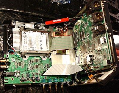 Edirol R-4 Pro Internal Drive-r4pro_interior.jpg