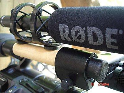 skinny mic, fat holder on camera-03-broom-mount_small.jpg