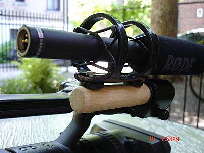 skinny mic, fat holder on camera-04-broom-mount_small.jpg
