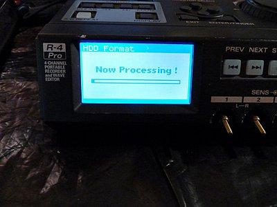 Converting my Edirol R4 Pro drive to solid state-formatting_drive.jpg