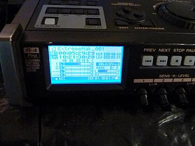Converting my Edirol R4 Pro drive to solid state-recording_successfully.jpg