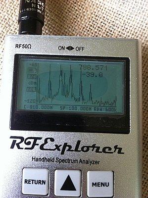 Spectrum analyzer for working with wireless mics-img_0221.jpg