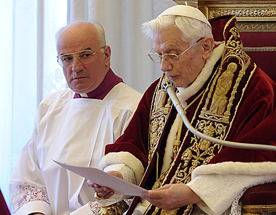 Classic mic in the Vatican?-vatican.jpg