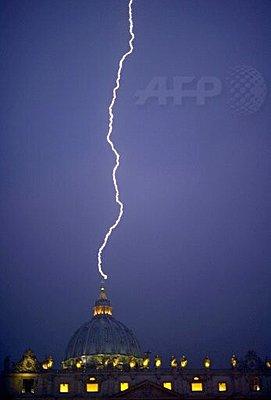 Classic mic in the Vatican?-afp-vatican.jpg