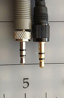 Headset mic-4bf063d6-4af7-470e-a310-ce79a60109fe.jpeg