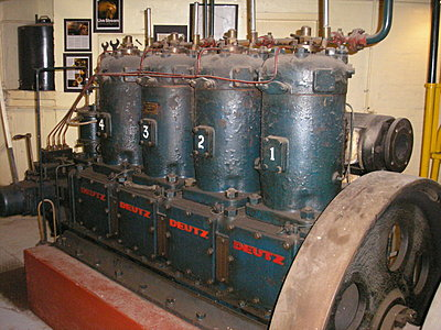 Sony PCM-D50 Side by Side with ...-ww1-uboat-engine-state-theatre.jpg