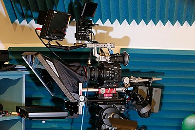 Best Balanced shoulder rig for C300-whitecap-video-c300-stuido-302.jpg