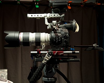 C300 & Canon EF 70-200mm f/2.8 L IS USM - Lens Support?-ef-70-200-w-c300-362.jpg