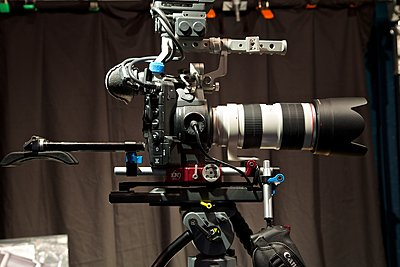 C300 & Canon EF 70-200mm f/2.8 L IS USM - Lens Support?-ef-70-200-w-c300-363.jpg