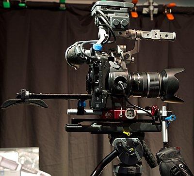 C300 & Canon EF 70-200mm f/2.8 L IS USM - Lens Support?-ef-70-200-w-c300-364.jpg