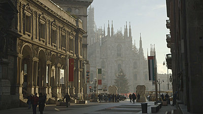 C100 footage, download mts-milan-c-log.jpg