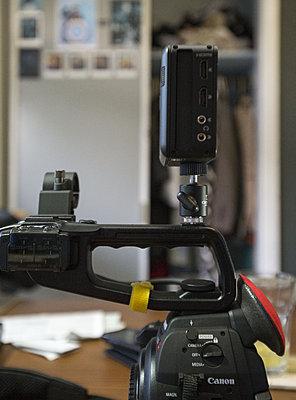 c100 for run and gun ninja ; practical?-hx9c6120.jpg