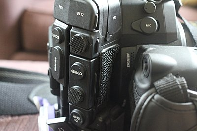 Mounting two wireless receivers on C300?-img_4565.jpg