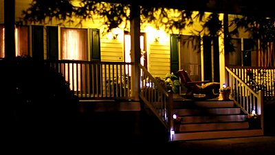 7D has noise at high ISO's, but can be easily improved with Noise Suppression-front-porch-neat.jpg