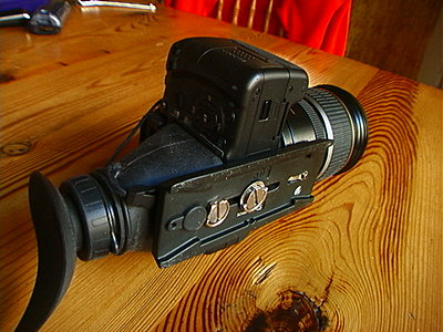 simple way to mount hoodloupe on T2i-hdm-t2i-plate.jpg