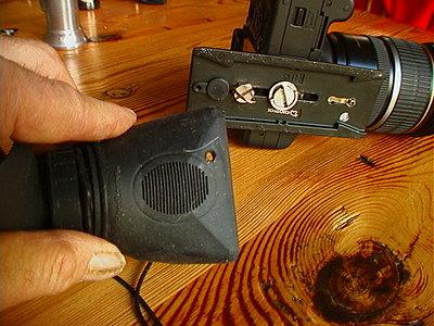 simple way to mount hoodloupe on T2i-hdm-t2i-hole.jpg