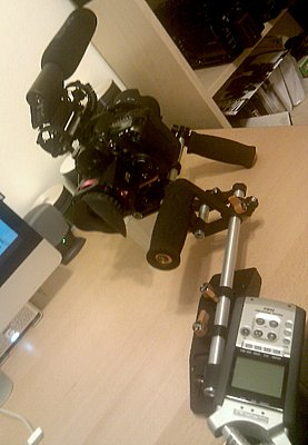Canon 7D *Official* DSLR Rigs & Discussion ~Post Your Pics/Learn To Build It~-img_20110131_191239.jpg