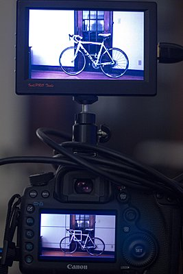 Mounting a small monitor / evf to 5D-img_4052.jpg