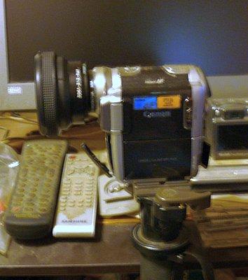 Wide angle adapter HV20-raynox-6600-pro-canon-hv10.jpg