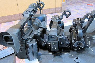 Canon XF100 versus Canon XA10-xf-compare-c.jpg