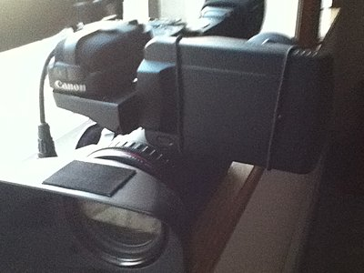 can I tighten viewfinder so it holds Hoodman Loupe?-photo.jpg