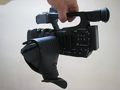 can I tighten viewfinder so it holds Hoodman Loupe?-3.-lcd-loupe.jpg