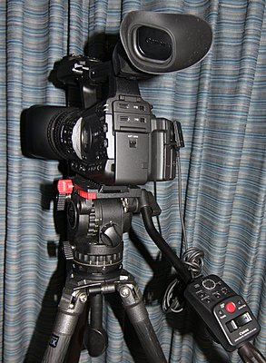 Rear LANC Controller for Zoom and Iris?-xf305-zr-2000.jpg