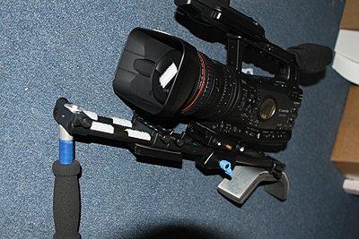 Shoulder mount for XF300,305?-img_3597.jpg