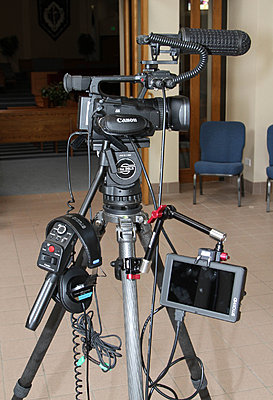 xf100 and SmallHD for Event-2012-05-12-3991.jpg