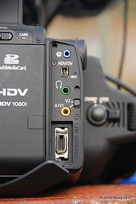 The av connector (the yellow one) ripped out.. Where to buy one?-dsc_4248.jpg