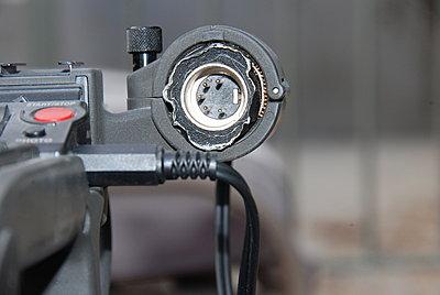 Mic on the XL-1-cameraxlr.jpg