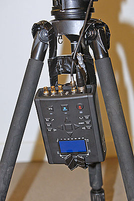 Simple but effective Flash XDR – Sony PMW EX3, tripod mounting-flash-xdr-camera-cu.jpg