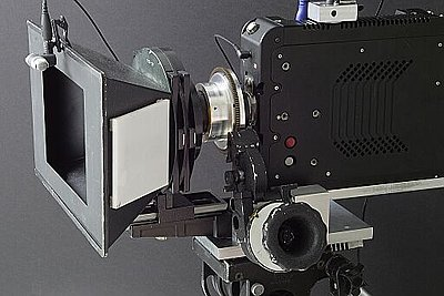 S35 digi cinema camera for US00-kineraw-s8p_with_follow_focus_lens_b2s.jpg