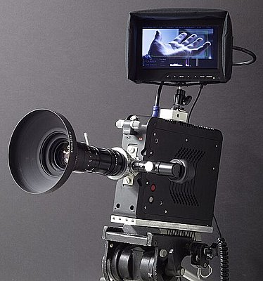 S35 digi cinema camera for US00-kineraw-s8p_with_reflex_zoom_lens_c1s.jpg