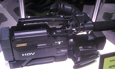 New Sony full size shoulder mounted HDV camera-img_0620.jpg