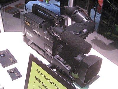 New Sony full size shoulder mounted HDV camera-img_0622.jpg