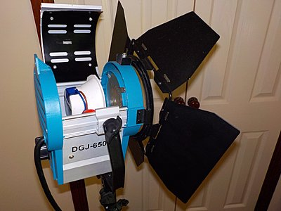 "Turn your old ""hot light"" Fresnel into a ""cool"" LED with Visionsmith ReLamp-arriled.jpg"