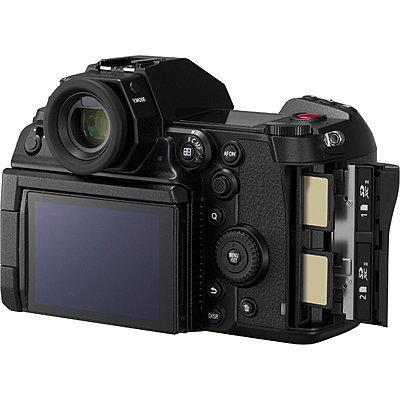 Panasonic launches new LUMIX S1H with Cinema-Quality Video-1566915421_img_1237502.jpg