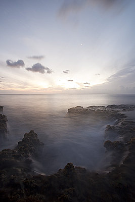 Post Your Photos (and lens/processing info)-makua-twilight.jpg