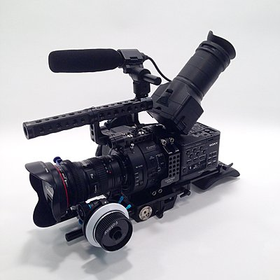 Sony NEX-FS700U 4K Upgrade Camtree Shoulder Rig 25x10 Operation Hrs-fs700u-02.jpg