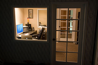 Lets see those Edit Suites-edit-suite-01.jpg