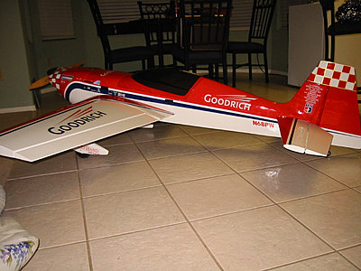 RC Airplanes and Helicopters-extra300.jpg
