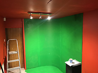 Merging editing and audio space-green-screen.jpg