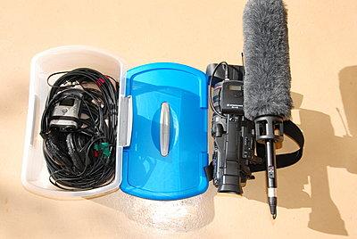 Post pics of your setup-blue-box-contents.jpg