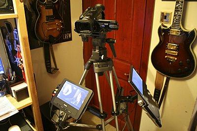 GZ HD7 and external monitor-img_1207.jpg