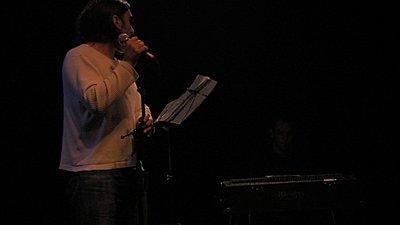 Theater performance: which scene file ? (251, stock lens)-kiko_thierry_lowlight.jpg