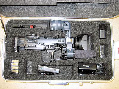 Photo of inside of JVC Hard Case CB-100...?-jvc-cb-100full.jpg