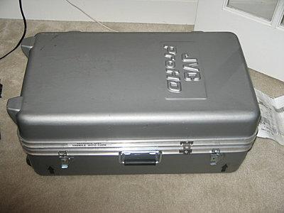 Photo of inside of JVC Hard Case CB-100...?-cb100-.jpg